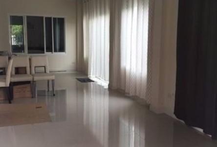 For Sale 3 Beds 一戸建て in Phasi Charoen, Bangkok, Thailand