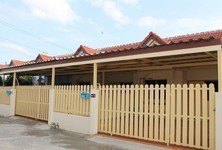 For Rent 2 Beds タウンハウス in Mueang Lop Buri, Lopburi, Thailand