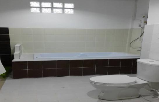For Sale 3 Beds 一戸建て in Mueang Khon Kaen, Khon Kaen, Thailand | Ref. TH-IBAZSDHG