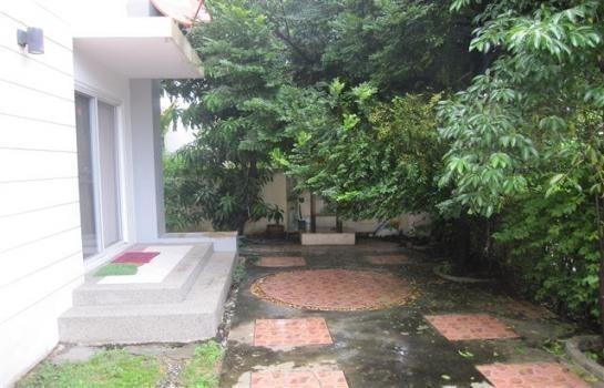 For Sale 3 Beds House in Bang Phli, Samut Prakan, Thailand | Ref. TH-OEZYMFGQ