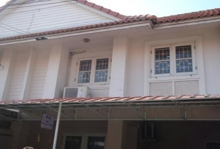 For Sale 2 Beds タウンハウス in Mueang Chachoengsao, Chachoengsao, Thailand