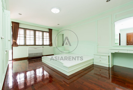 For Rent 4 Beds 一戸建て in Yan Nawa, Bangkok, Thailand