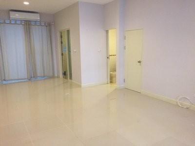 ให้เช่า บ้านเดี่ยว 3 ห้องนอน วังทองหลาง กรุงเทพฯ | Ref. TH-ZQOXQTCT