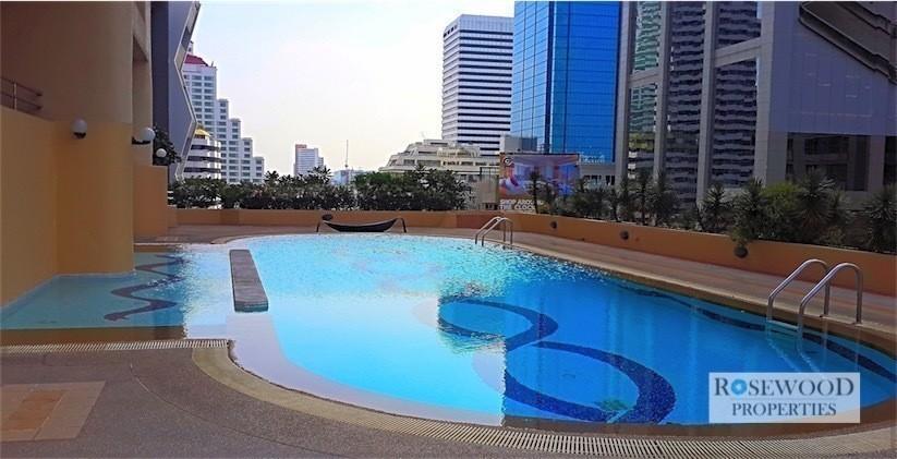 City Lakes Tower Sukhumvit 16 - For Sale 4 Beds コンド Near BTS Asok, Bangkok, Thailand | Ref. TH-CRUZYNDP