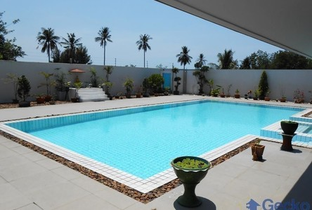For Sale or Rent 5 Beds 一戸建て in Bang Lamung, Chonburi, Thailand