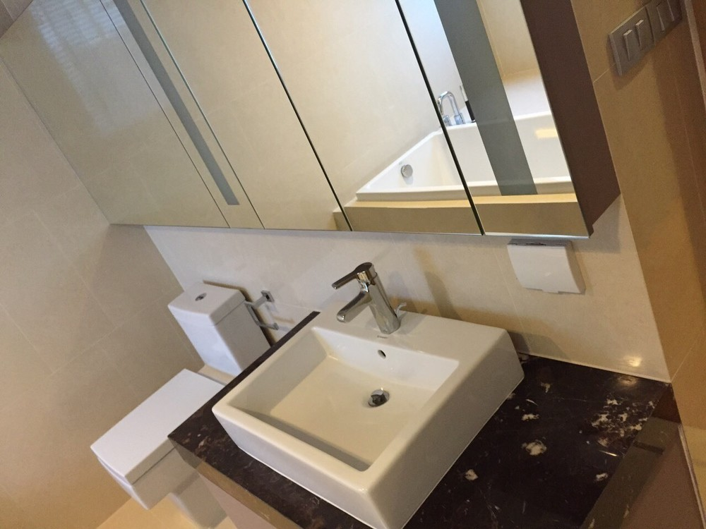 For Rent 3 Beds コンド in Watthana, Bangkok, Thailand | Ref. TH-WHIJROZC