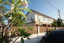 For Sale or Rent 3 Beds Townhouse in Sam Phran, Nakhon Pathom, Thailand
