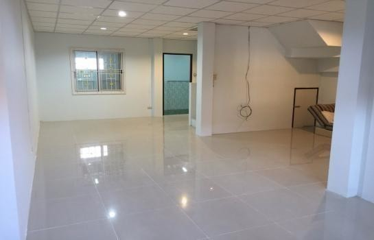 For Rent 3 Beds Townhouse in Mueang Nakhon Pathom, Nakhon Pathom, Thailand   Ref. TH-DOGIYIJG