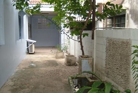 For Rent 2 Beds Townhouse in Phutthamonthon, Nakhon Pathom, Thailand
