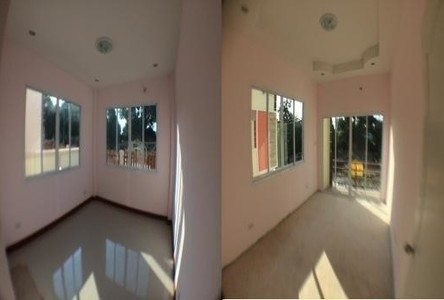 For Sale 4 Beds Townhouse in Mueang Rayong, Rayong, Thailand