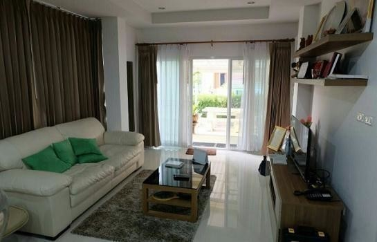 For Sale 3 Beds 一戸建て in Mueang Surin, Surin, Thailand | Ref. TH-XRTRVJTB