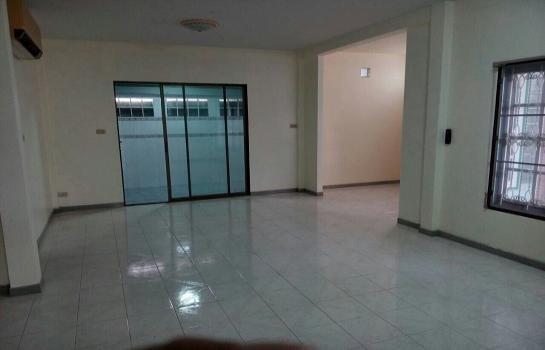 For Sale 3 Beds House in Bang Khae, Bangkok, Thailand | Ref. TH-RVJWFRZN