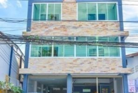 For Sale 5 Beds タウンハウス in Mueang Tak, Tak, Thailand