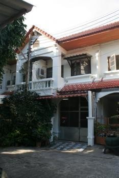 For Sale 3 Beds タウンハウス in Mueang Chiang Mai, Chiang Mai, Thailand   Ref. TH-TPQKISAB