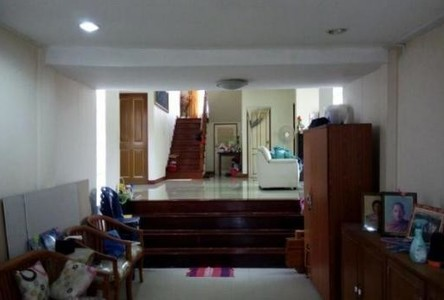 For Sale 8 Beds House in Bang Na, Bangkok, Thailand