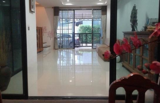 For Rent 3 Beds 一戸建て in Mueang Surat Thani, Surat Thani, Thailand | Ref. TH-XPHSWQNI