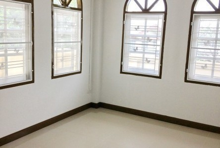 For Sale 5 Beds 一戸建て in Wang Thonglang, Bangkok, Thailand
