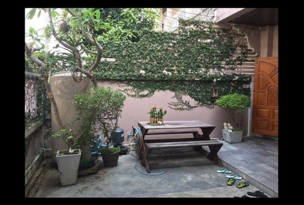For Sale 5 Beds Townhouse in Wang Thonglang, Bangkok, Thailand