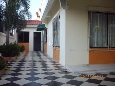 В аренду: Таунхаус с 3 спальнями в районе Bang Lamung, Chonburi, Таиланд | Ref. TH-TVGZOPJR