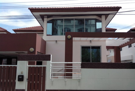 For Sale or Rent 3 Beds 一戸建て in Phra Khanong, Bangkok, Thailand