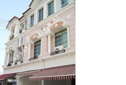 ขาย ทาวน์เฮ้าส์ 4 ห้องนอน วังทองหลาง กรุงเทพฯ