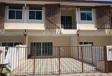 For Rent 3 Beds Townhouse in Mueang Udon Thani, Udon Thani, Thailand