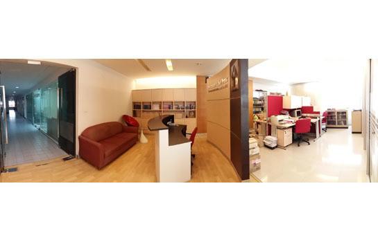 Monterey Place - Продажа или аренда: Кондо 88.42 кв.м. в районе Khlong Toei, Bangkok, Таиланд | Ref. TH-SRBSUUJF