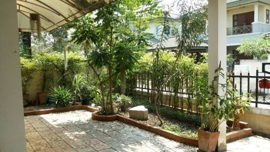 For Sale 4 Beds House in Thawi Watthana, Bangkok, Thailand | Ref. TH-XIGJHWMF