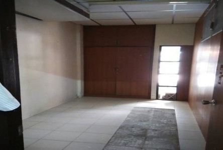 For Sale 2 Beds タウンハウス in Khlong Toei, Bangkok, Thailand