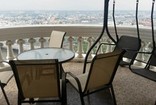 For Sale or Rent 4 Beds Condo in Samphanthawong, Bangkok, Thailand