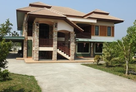 For Sale 4 Beds 一戸建て in Mueang Lamphun, Lamphun, Thailand