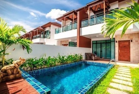 For Sale 3 Beds タウンハウス in Kathu, Phuket, Thailand
