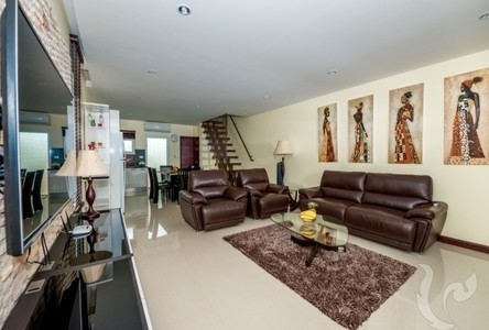 For Sale 3 Beds Townhouse in Kathu, Phuket, Thailand