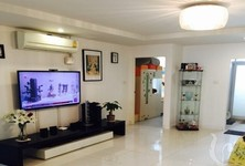 For Sale 4 Beds Condo in Huai Khwang, Bangkok, Thailand