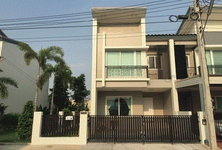 For Rent 2 Beds Townhouse in Don Mueang, Bangkok, Thailand