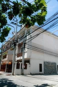 For Sale or Rent 3 Beds タウンハウス in Nakhon Chai Si, Nakhon Pathom, Thailand | Ref. TH-MHYAWJOL
