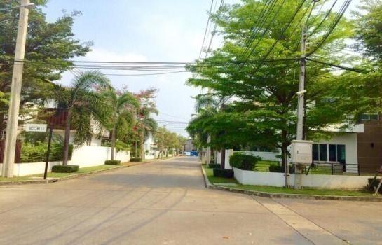 Продажа: Дом с 3 спальнями в районе Saphan Sung, Bangkok, Таиланд | Ref. TH-SHNUANUQ