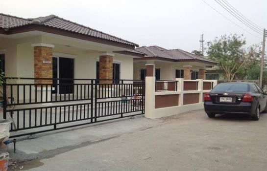 For Sale 2 Beds 一戸建て in Mueang Lop Buri, Lopburi, Thailand | Ref. TH-YAZYTYYE