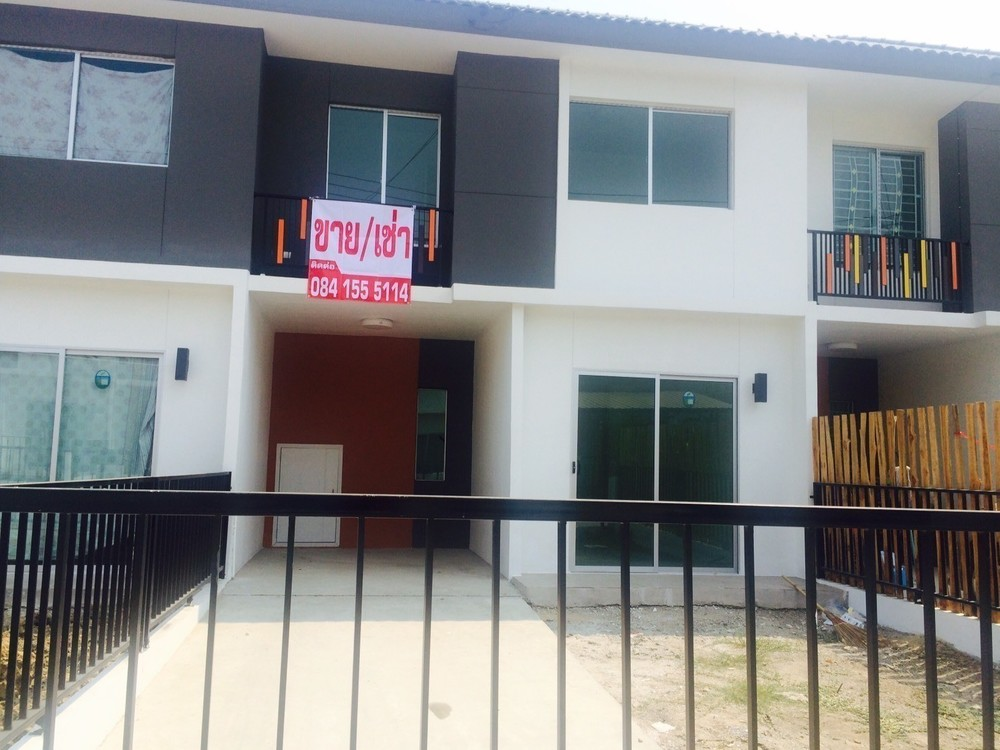 For Sale or Rent 3 Beds タウンハウス in Lam Luk Ka, Pathum Thani, Thailand | Ref. TH-ZLEAMVWP