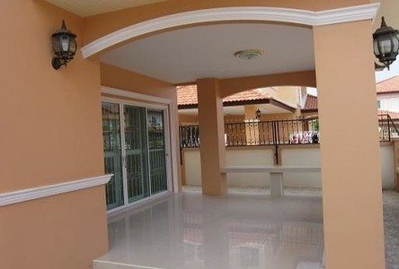 For Sale 4 Beds 一戸建て in Mueang Udon Thani, Udon Thani, Thailand