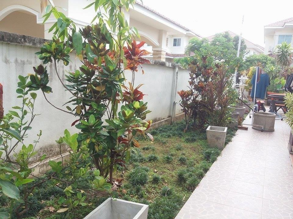 For Sale 4 Beds 一戸建て in San Kamphaeng, Chiang Mai, Thailand   Ref. TH-SCRIHZWD