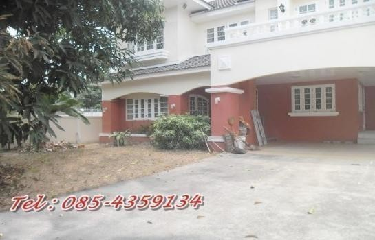 For Rent 3 Beds 一戸建て in Lat Phrao, Bangkok, Thailand | Ref. TH-TFIGCVYL