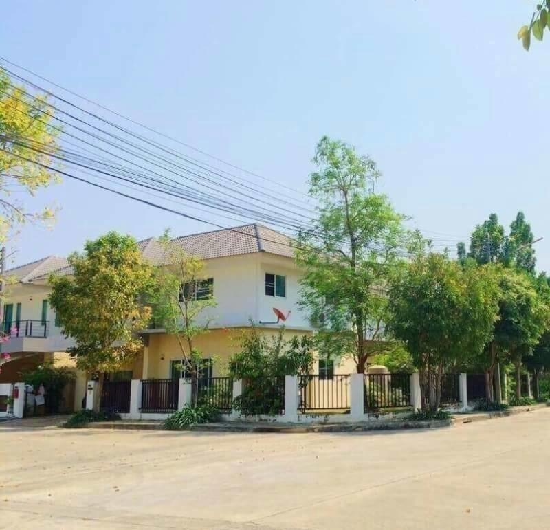 For Rent 3 Beds House in Mueang Chiang Mai, Chiang Mai, Thailand | Ref. TH-IOZXPVCL