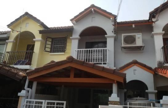 For Sale 2 Beds Townhouse in Don Mueang, Bangkok, Thailand | Ref. TH-UAMYPKCN