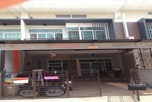 For Sale 3 Beds Townhouse in Mueang Nakhon Ratchasima, Nakhon Ratchasima, Thailand