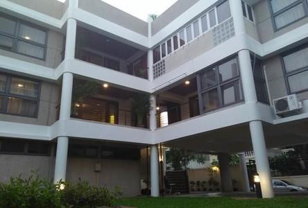 For Rent 5 Beds 一戸建て in Khlong Toei, Bangkok, Thailand