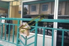 For Sale 3 Beds Townhouse in Bang Nam Priao, Chachoengsao, Thailand