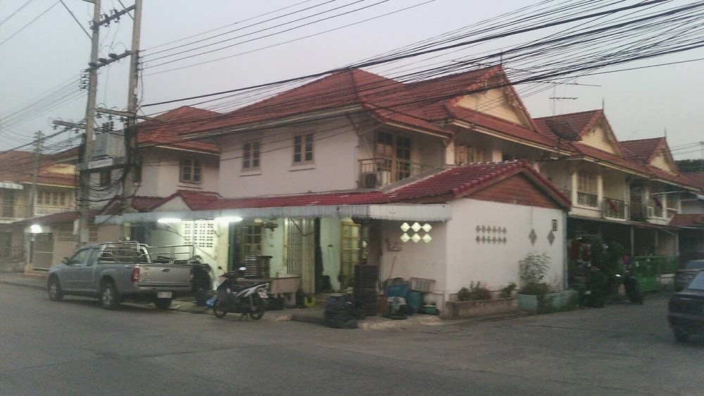For Sale 3 Beds タウンハウス in Khlong Luang, Pathum Thani, Thailand   Ref. TH-CKMXBJOM