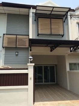 For Sale 3 Beds タウンハウス in Ongkharak, Nakhon Nayok, Thailand | Ref. TH-TVNHZHQX