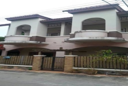 For Sale 3 Beds Townhouse in Mueang Surat Thani, Surat Thani, Thailand